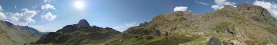 Bivouac � c�t� du col de la Pra � 2165 m