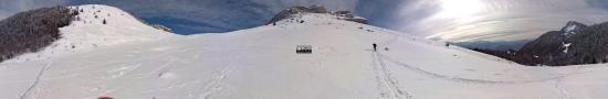 En dessous du col es Ayes et de la Dent de Crolles, 1530 m