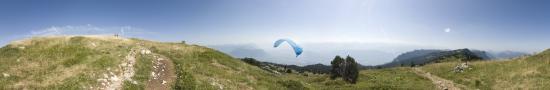 Paraglider flight at the top of Granier