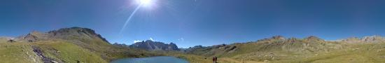 Round lake on the way up to Nuandes pass at 2447 m