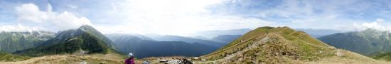 Au sommet des Plates en face du Petit Charnier - 2085 m