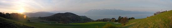 Lever de soleil printanier sur les Monts de Lavaux